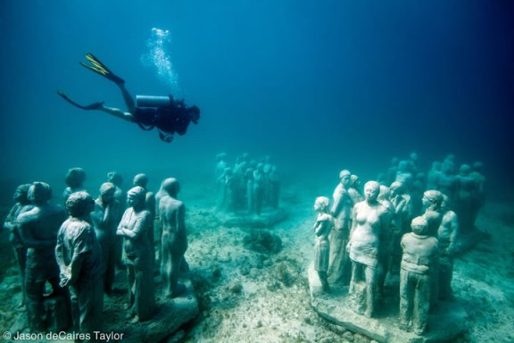 2.the-silent-evolution-depth-8m-cancun-mexico