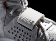 nike-air-yeezy-2-wolf-grey-pure-platinum-official-04